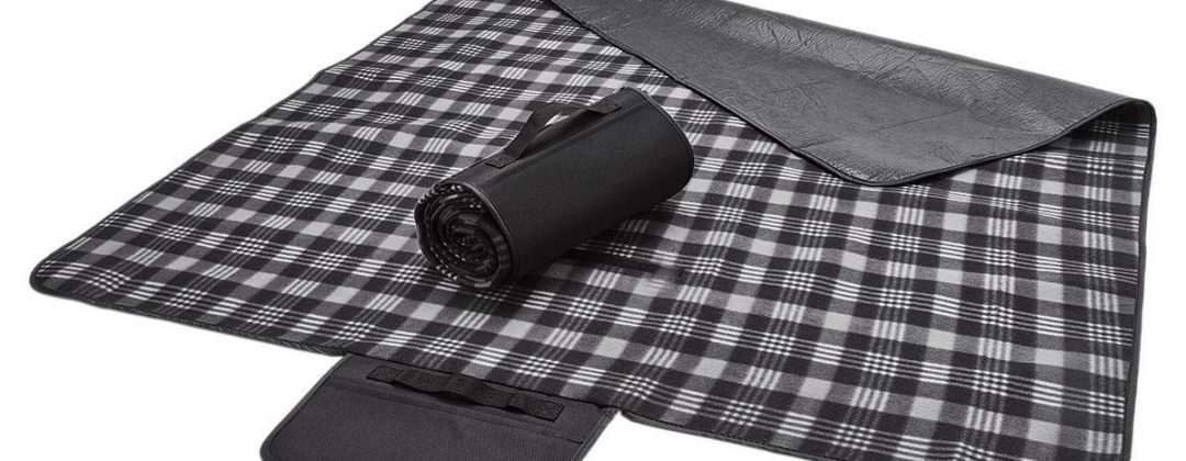 Legend-picnic-blanket